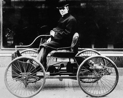 1896+Ford+Motor+Carriage+Sv+%257BHenry+Ford%257D+B%2526W jpg Henry Ford, Anak Nakal Tapi Patuh Pada Orang Tua