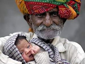 1+World%2527s+Oldest+Father+ Nanu+Ram+Jogi 7 Rekor Dunia Yang Diciptakan Oleh Figur Seorang Ayah