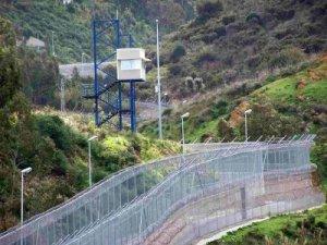 Morocco Spain Border Fence 10 Batas Negara Terunik Didunia